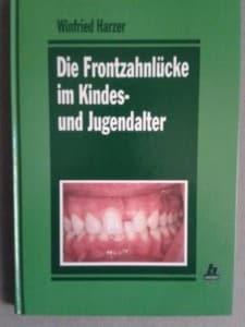 Harzer, W. (1993): Die Frontzahnlücke im Kindes- und Jugendalter